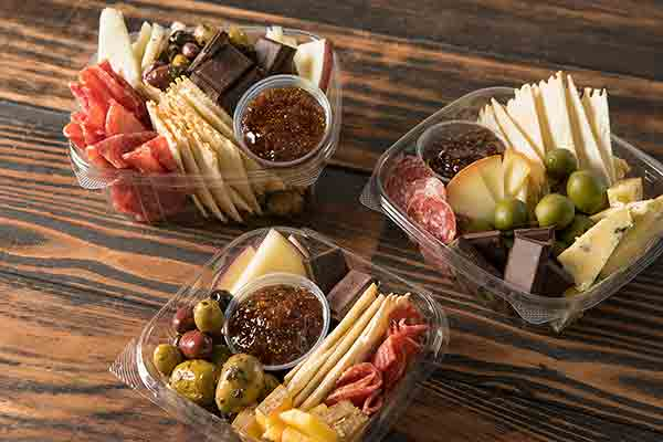 /img/platters/artisanal-charcuterie-and-cheese-box-small.jpg